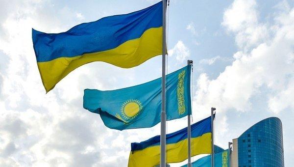 Флаг Украины и Казахстана