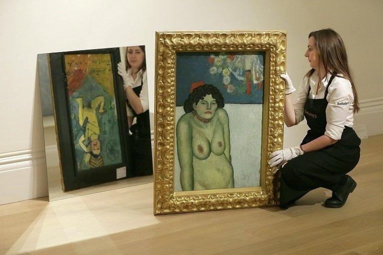 Картина Пабло Пикассо La Gommeuse, выставленная на аукционе Сотбис в Лондоне, Великобритании, 9 октября 2015 г.