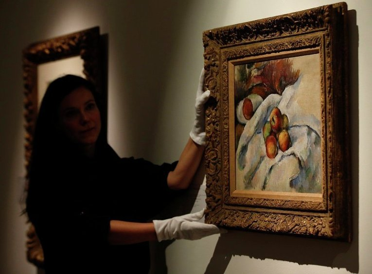 Картина Поля Сезанна Яблоки на ткани, выставленная на аукцион Christie's