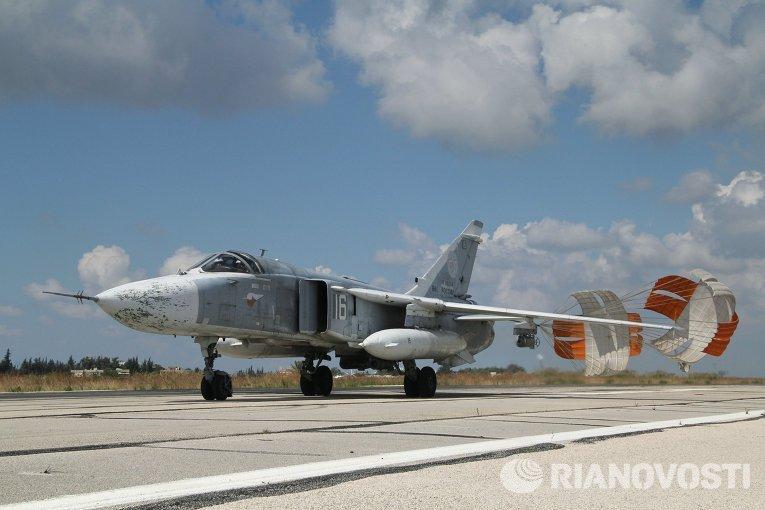 Российские самолеты в аэропорту Латакии