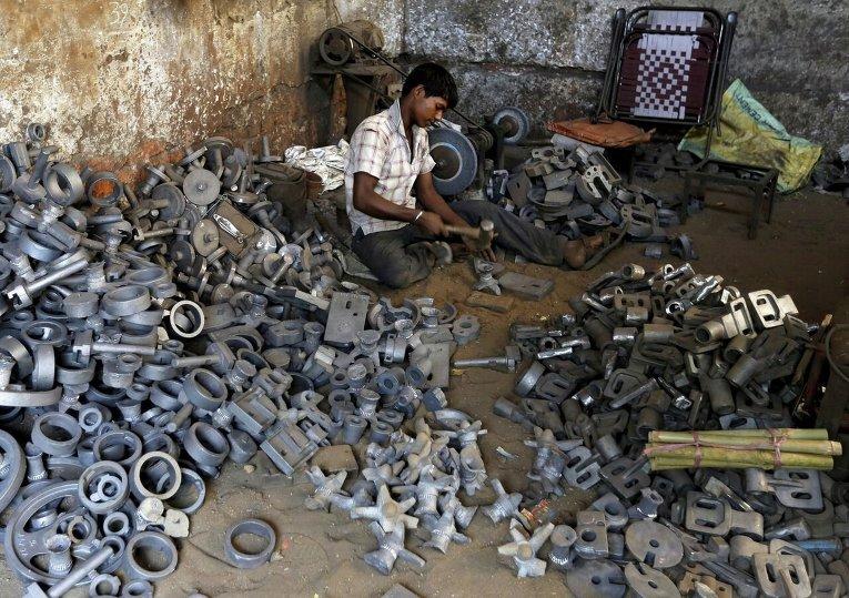 Рабочий в Индии.