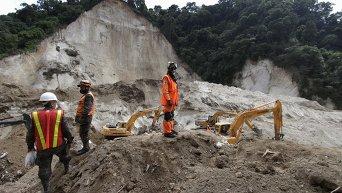 Ликвидация последствий оползня в Гватемале