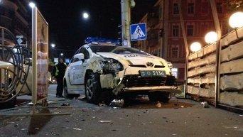 В центре Киева автомобиль патрульной полиции попал в ДТП