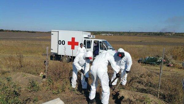 Поиск останков украинских военных в Донецком аэропорту и в районе Иловайска