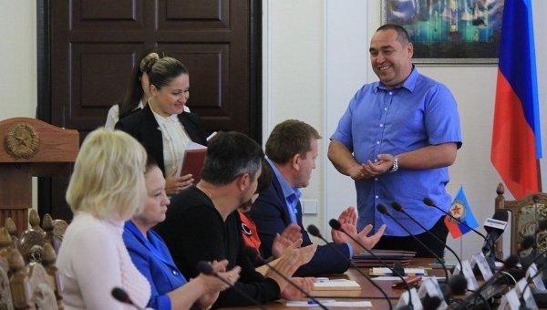 Игорь Плотницкий и министры ЛНР. Архивное фото