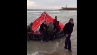 Спасение пассажиров катера, затонувшего в Затоке под Одессой
