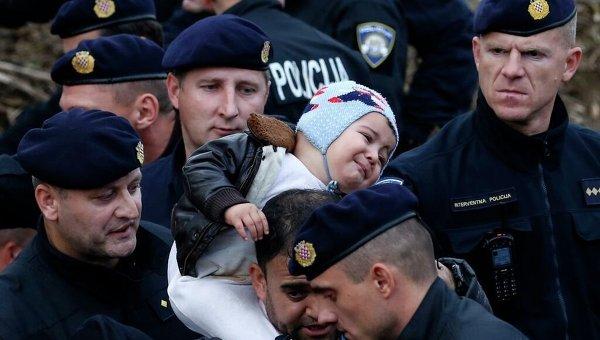 Хорватские полицейские обеспечивают безопасность в пограничной зоне с Сербией