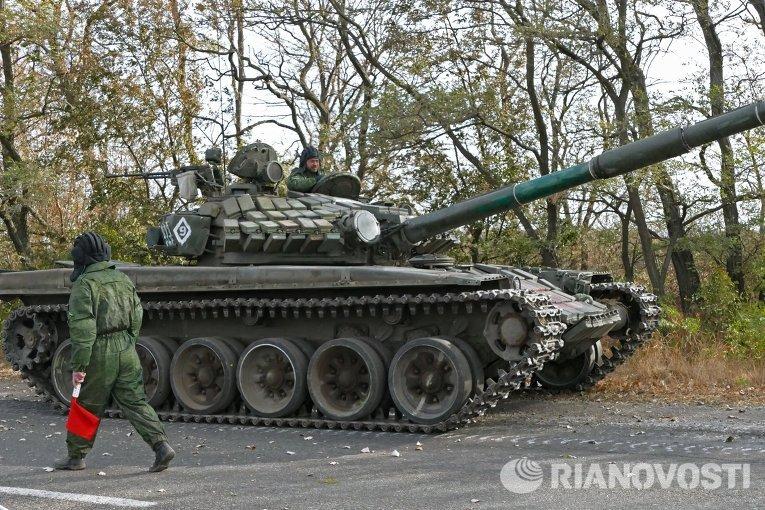 Отвод техники от линии соприкосновения в ДНР