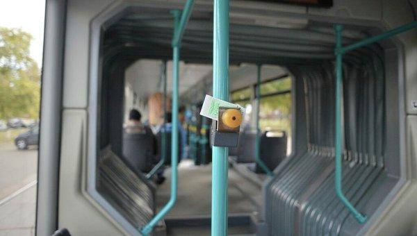 Проезд в общественном транспорте. Архивное фото