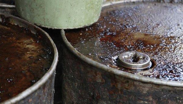 Бочки с нефтью. Архивное фото