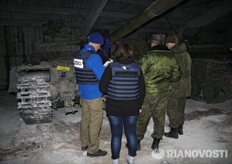 Отвод военной техники в Горловке Донецкой области