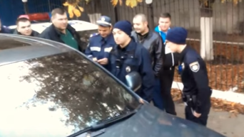 Разборки одесских гаишников с новыми патрульными ненормативная лексика)