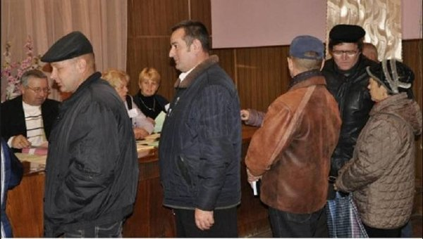 Голосование в Троицком районе Луганской области