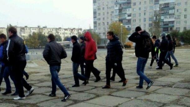 В Северодонецке на избирательном участке появились молодые люди, которые выдавали себя за представителей прессы