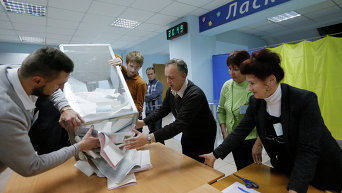 Подсчет голосов на местных выборах в Украине