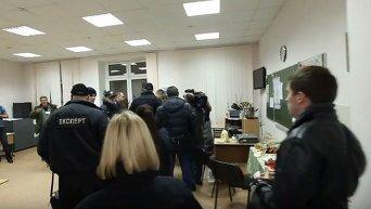 Задержание подозреваемых в подкупе избирателей в Киеве