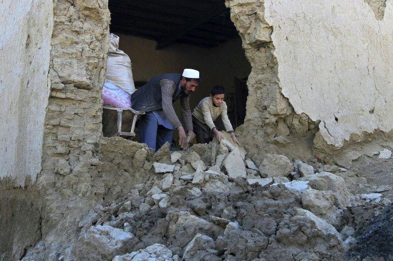 Последствия землетрясения в уезде Бехсуд провинции Нангархар в Афганистане