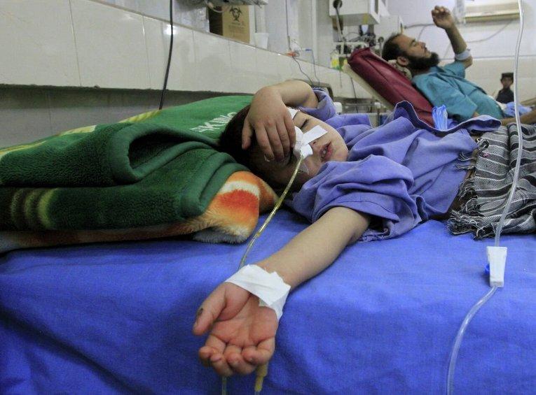 Пострадавший ребенок в результате землетрясения в Джелалабаде - столице провинции Нангархар в 150 км на восток от Кабула
