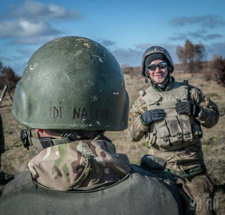 Учения артиллеристов на военном полигоне в Житомирской области