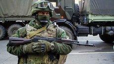 Боец Вооруженных сил Украины во время обмена пленными. Архивное фото