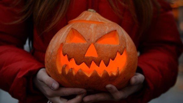 Празднование Хэллоуина. Архивное фото