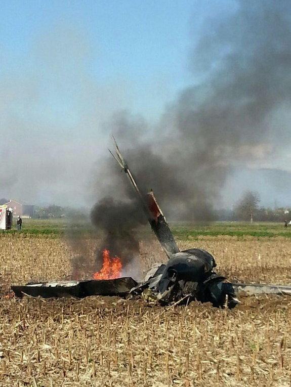 Самолет разбился недалеко Верчелли, Италия