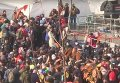 Мигранты пересекают словено-австрийскую границу. Видео