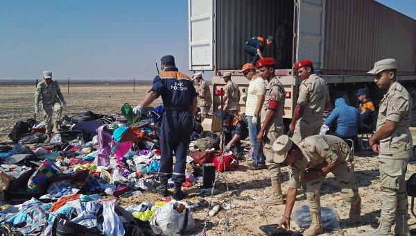 Поисковые работы на месте крушения Airbus A321 в Египте. Архивное фото