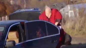 Исполнитель Стас Барецкий сжег свой автомобиль. Видео