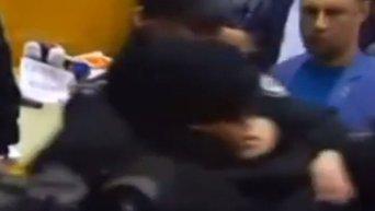 В суде по делу Геннадия Корбана правоохранитель потерял сознание