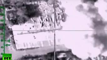 Минобороны РФ опубликовало видео нанесения авиаударов по объектам ИГ