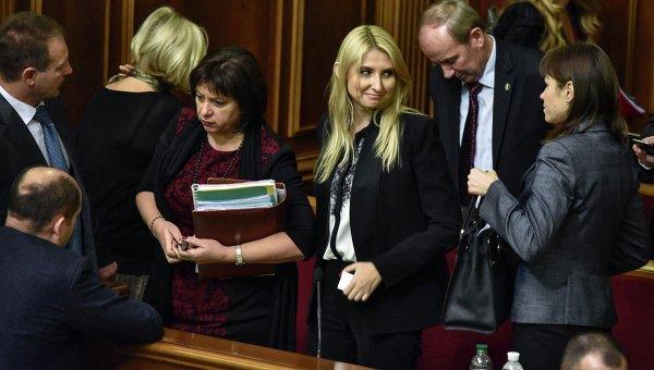 Глава Минфина Украины Наталия Яресько в правительственной ложе Верховной Рады 6 ноября 2015 г