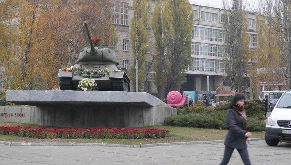 Памятник танку, на котором старшина Шолуденко первым 5 ноября 1943 года прорвался в центр Киева